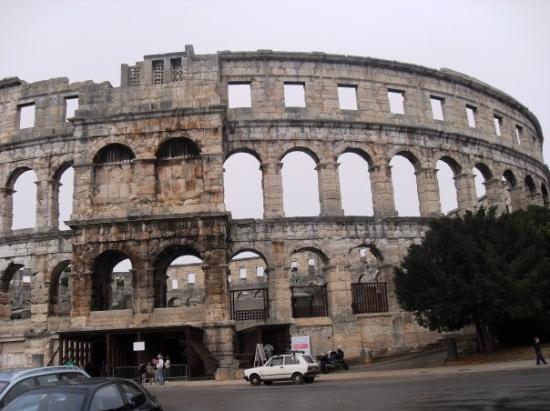 สนามประลองปูลา: Anfiteatro di Pula/Pola