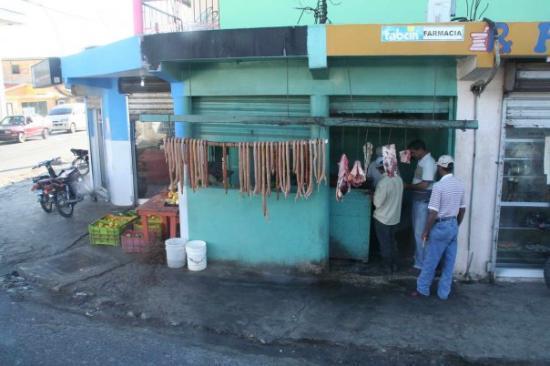Higuey, สาธารณรัฐโดมินิกัน: la boucherie du coin ;)