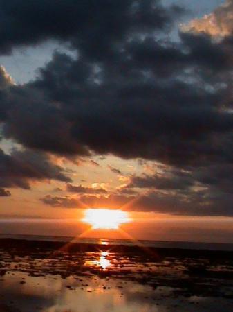 กีลีทราวางกาน, อินโดนีเซีย: Sunset at Gili with tapas