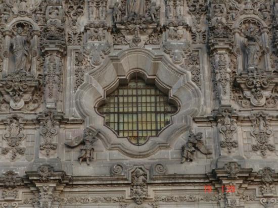 Tepoztlan, เม็กซิโก: Relieve de su catedral