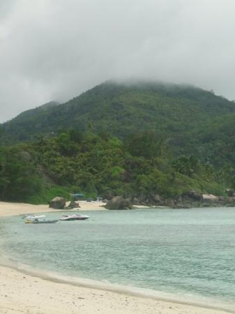 เกาะมาเอ, เซเชลส์: An overcast morning... but still breathtaking