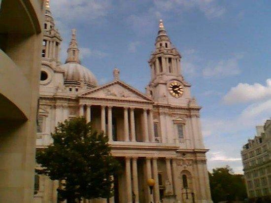 มหาวิหารเซนต์พอล: St. Paul's Cathedral