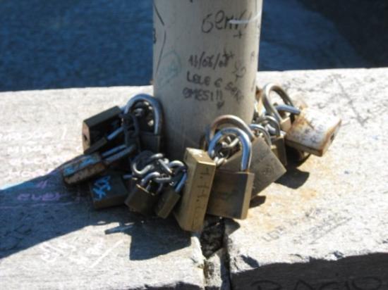 Luino, อิตาลี: i lucchetti degli innamorati