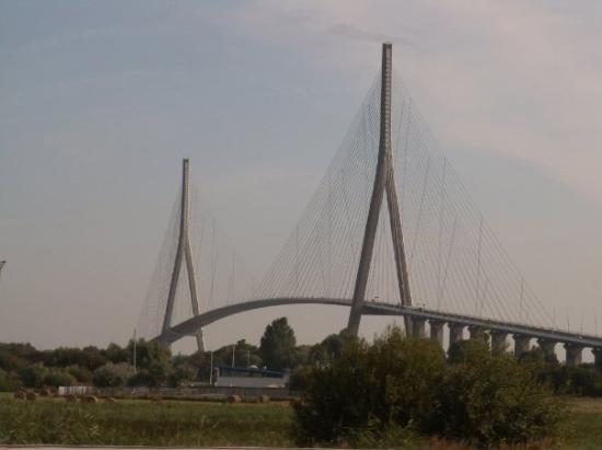 ฮันเฟลอร์, ฝรั่งเศส: le pont de normandie