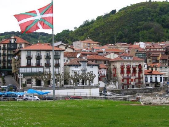 บิลบาว, สเปน: le plus beau drapeau du monde ! a mundaka