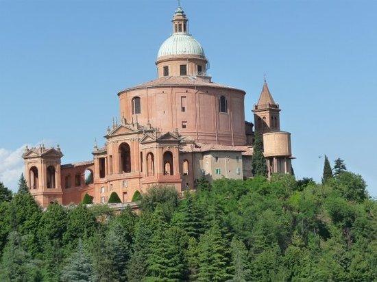 Bologna, Italië: san luca...