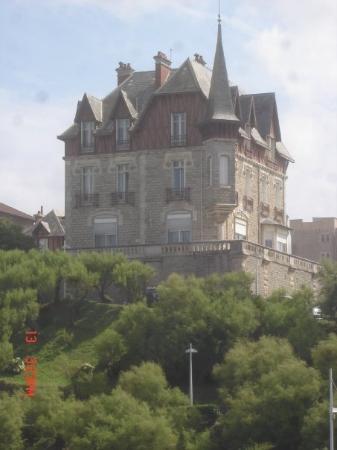 บิอาร์ริตซ์, ฝรั่งเศส: Une grande maison à Biarritz