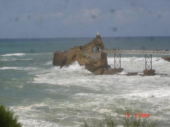 บิอาร์ริตซ์, ฝรั่งเศส: Le rocher de la vierge à Biarritz