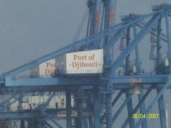 จิบูตี, จิบูตี: Arrivée ds le port de Dibouti