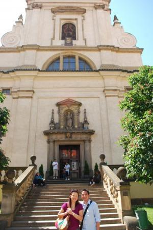 Church of Our Lady Victorious (Infant Jesus of Prague): outside Infant Jesus of Prague