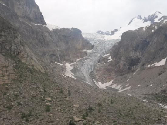 กูร์มาเยอร์, อิตาลี: First sight of the Pre de Bar glacier