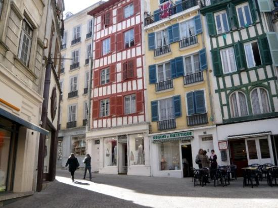 เบย์โอนน์, ฝรั่งเศส: Bayonne
