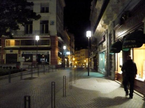 บิอาร์ริตซ์, ฝรั่งเศส: Biarritz at night