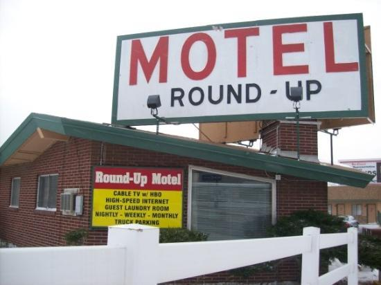 ไวโอมิง, มิชิแกน: The Motel we stayed in which was right across the street