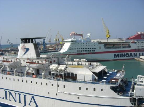 Dassia, กรีซ: porto di ancona...la partenza