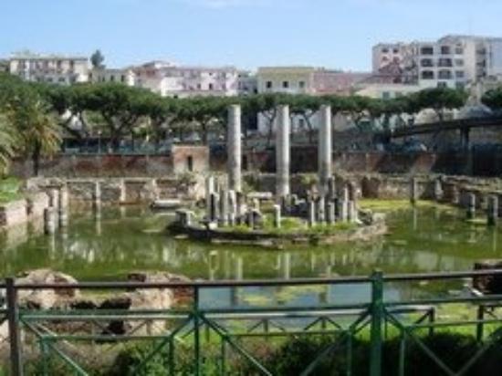 เนเปิลส์, อิตาลี: Naples, Italie (pozzuoli)