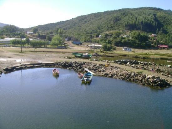 Valdivia, ชิลี: vista desde el puente Chaihuin