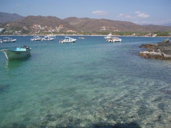 Ixtapa, เม็กซิโก: Admiring the view @  Isla Las Gatas