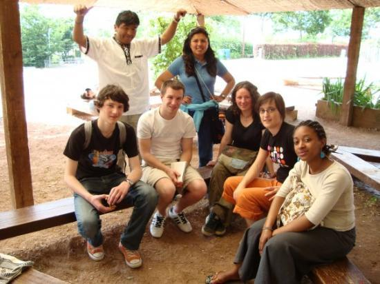 Taize, ฝรั่งเศส: Compartiendo... los primeros amigosss