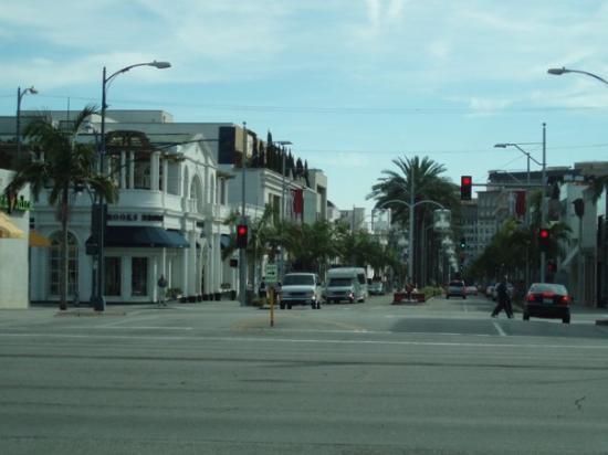 ซานตาโมนิกา, แคลิฟอร์เนีย: Rodeo Drive,. Aqui empieza la historia jaja Llegamos campantemente y todas las tiendas estaban