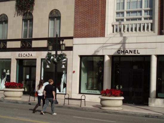 เบเวอร์ลีฮิลส์, แคลิฟอร์เนีย: Chanel (L)