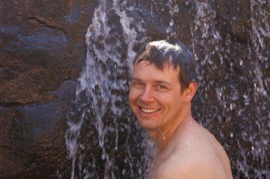 คูนูเนอร์เรา, ออสเตรเลีย: Geoff in a small water fall