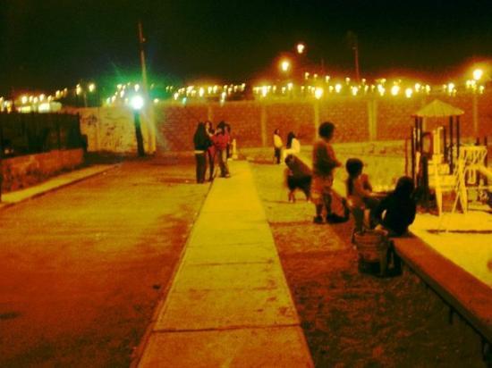 Tocopilla, Chile: los cabros chicos del barros arana webeando en la noshee