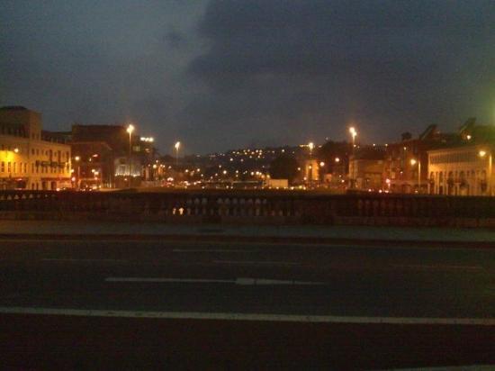 คอร์ก, ไอร์แลนด์: Cork, di notte.