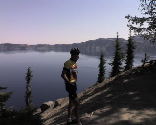 Crater Lake National Park: Jim... Don't turn any more or you will disappear!