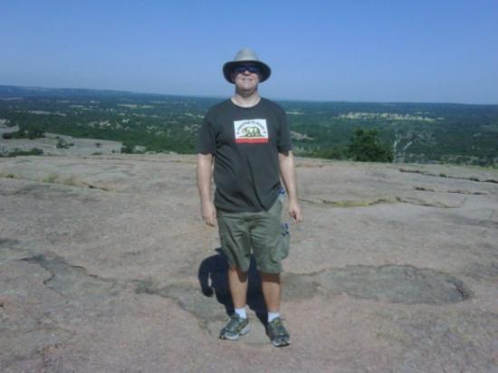 เฟรเดอริคเบิร์ก, เท็กซัส: Hiking up Enchanted Rock (Fredricksburg, TX)!!