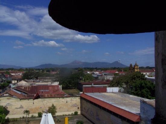 ลีอง, นิการากัว: From the roof of the Cathedral of Leon
