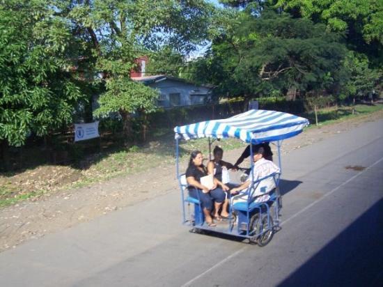 ลีอง, นิการากัว: another taxi