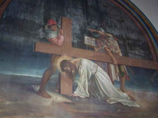 ลีอง, นิการากัว: The church had murals all around the church. most in need of repair.