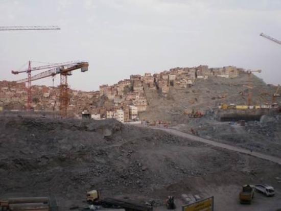 เมกกะ, ซาอุดีอาระเบีย: Suasana Kota Makkah penuh dengan pembangunan hotel-hotel. Kota Makkah sedang ditata terutama dae