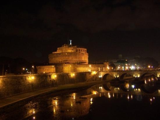 Museo Nazionale di Castel Sant'Angelo: Como fortaleza, no tiene precio