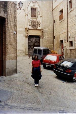โทลีโด, สเปน: Yo en una calle de Toledo