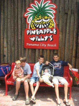 Fantastic All The Kids At Pineapple Willys Picture Of Pineapple Creativecarmelina Interior Chair Design Creativecarmelinacom