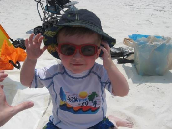 ปานามาซิตี้บีช, ฟลอริด้า: Paddon has just recently decided that he likes sunglasses.