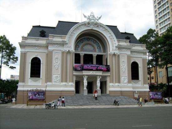 Saigon Opera House (Ho Chi Minh Municipal Theater): the opera house in front of the square
