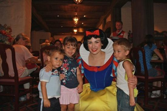 เอ็ปคอต: Snow White, another one...