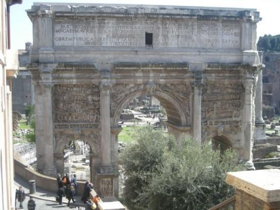 Arco di Costantino: Foro