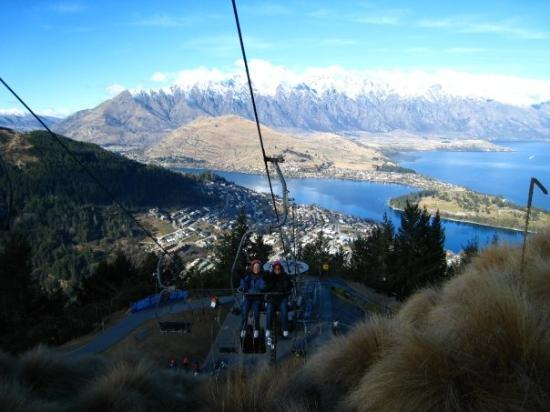 ควีนส์ทาวน์, นิวซีแลนด์: Coming up the cable car at Queenstown
