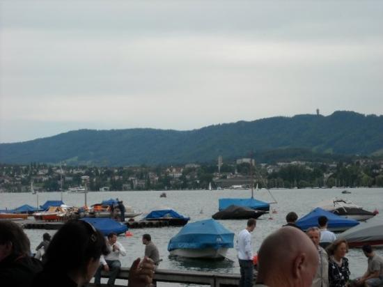 ซูริค, สวิตเซอร์แลนด์: The lake in Zurich
