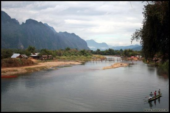 วังเวียง, ลาว: Scene from our room in Veng Vieng. Place rocks.