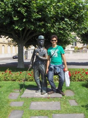 Charlie Chaplin Statue Photo