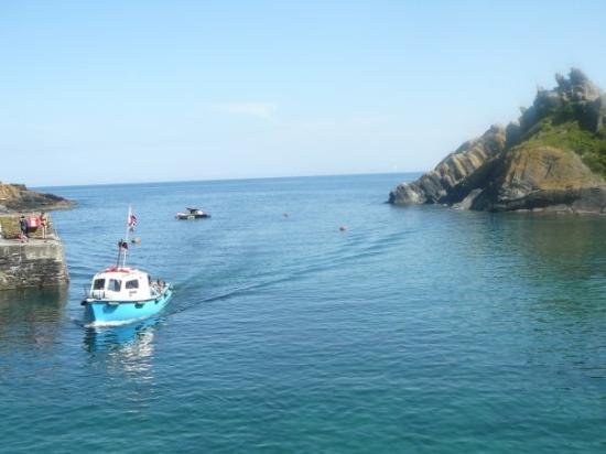 The picturesuqe fishing village of POLPERRO along the Cornish Riviera