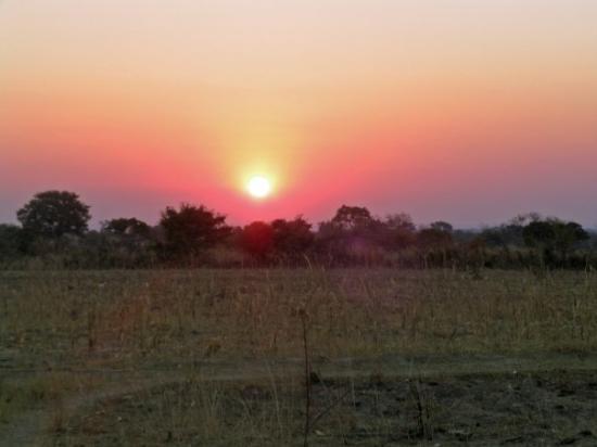 ลิฟวิงสโตน, แซมเบีย: The beautiful African sunset.