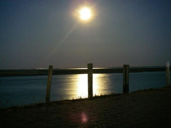 Spiekeroog, เยอรมนี: Moonlight shadow