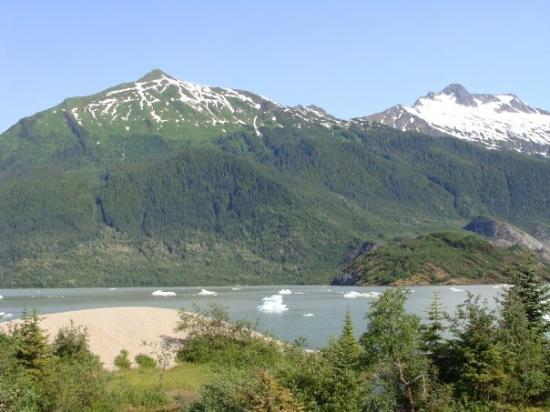 Mendenhall Glacier Visitor Center: Juneau, Alaska