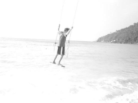 หาดสลัด: zylou is flying.....
